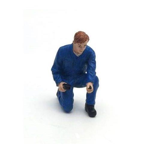 American Diorama Figure (Tony Inflating Tire)